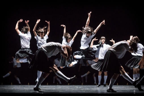 8-ensemble-impressing-the-czar-by-w-forsythe-semperoper-ballet-photo-i-whalen
