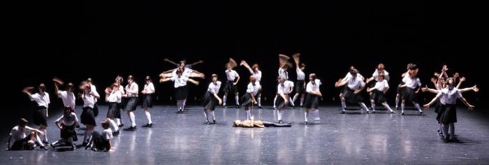 ensemble-impressing-the-czar-by-w-forsythe-semperoper-ballet-photo-i-whalen